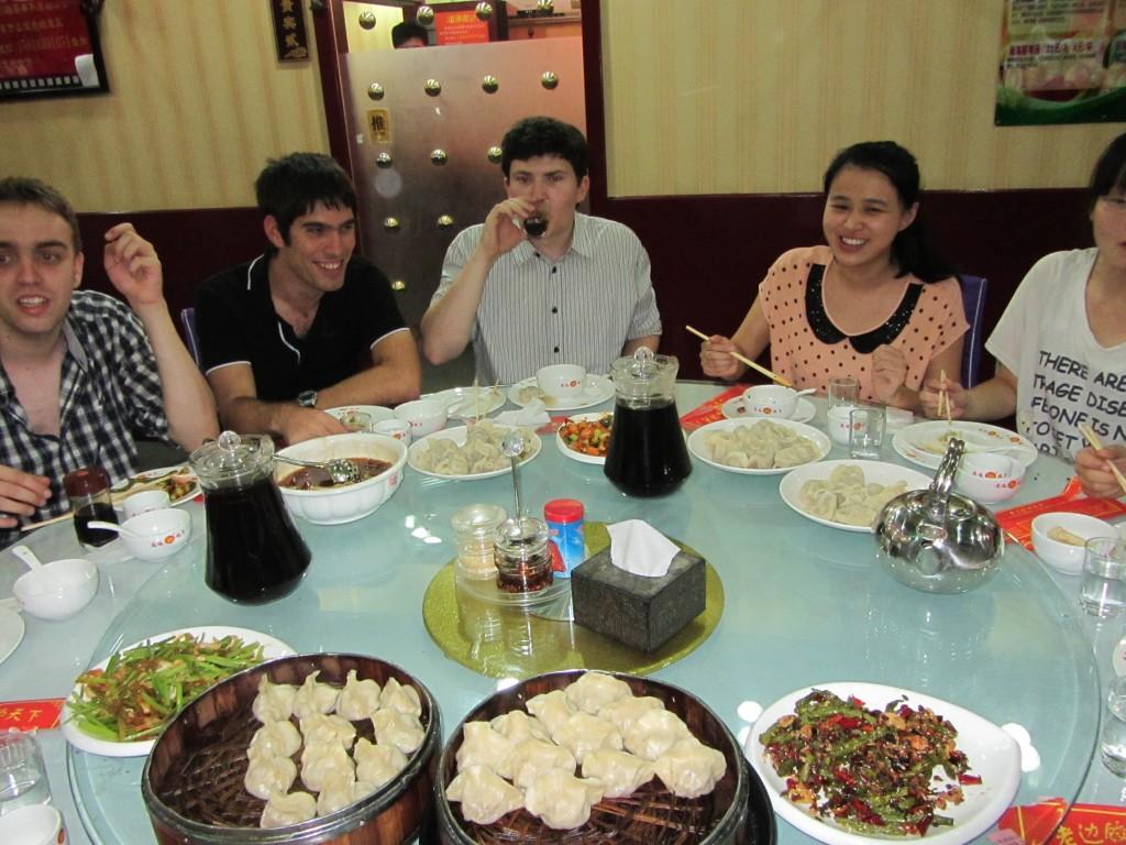 Miam, 1/3 des plats sont sur la table